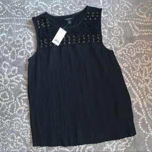 Banana republic tank top with black & gold details